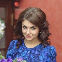 девушка в платье :: Евгений Дольников