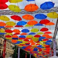 аллея зонтиков :: Алла Лямкина