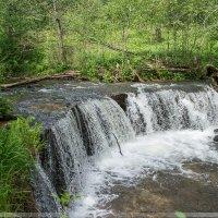 Водопад на реке Белая :: Павел Москалёв