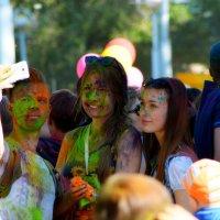 Фестиваль красок в Абакане :: Сергей Егоров