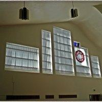 "Окна в церкви ""Три креста"" :: Вера"