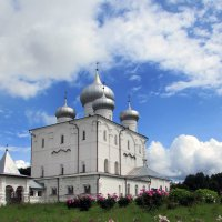 Монастырь... :: Ирина Румянцева