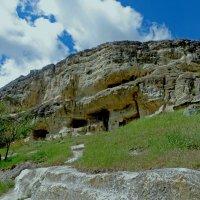 Пещерный город Чуфут-Кале :: Ирина Cемко
