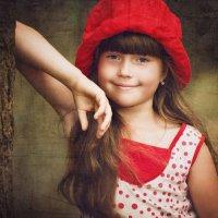 красная шапка :: Лилия .