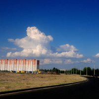 облако над новостройкой :: Александр Прокудин