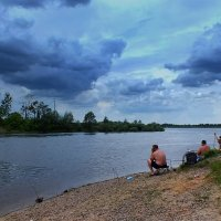 на реке под облаками :: Александр Прокудин