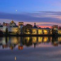 Новодевичий монастырь :: Сергей Семак