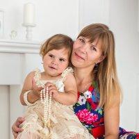 Таечка с мамой :: Elena Moskina