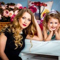 Мама и дочь :: Юлия Самсонова