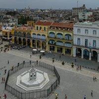 Пласа Виеха (Старая пл.) Съемка с обзорной площадки у башни Леонардо Да винчи. Гавана, Куба :: Юрий Поляков