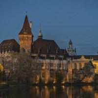 Замок Вайдахуняд в будапештском парке Варошлигет :: Борис Гольдберг