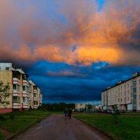 Моросило небо лиловое Мелким дождиком Поздним вечером... :: Анатолий Клепешнёв