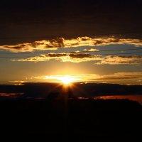 Закат после пасмурного, дождливого, летнего дня) :: Ангелина Божинова