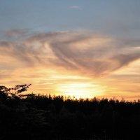 Закат, улетающий на крыльях облаков :: Николай Масляев