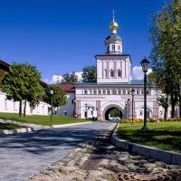 Надвратная церковь Михаила Архангела. :: Ольга Лиманская