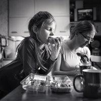 Чай с пироженным :: Любовь Гайшина