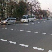 Автодорожная  разметка  в  Ивано - Франковске :: Андрей  Васильевич Коляскин