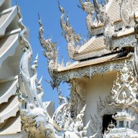 Декор храма Ронг Кхун :: Евгений Печенин