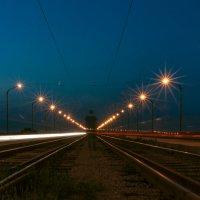 На мосту :: Artem Zelenyuk