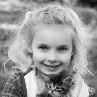 Алиса и котенок. :: Альбина Хайруллина