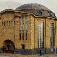 Гамбург. Здание старого тоннеля под Эльбой :: Nina Yudicheva