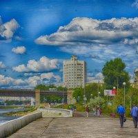 На набережной :: Валерий Кабаков