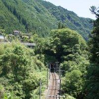 Одноколейка в горах близь Токио :: Cawa Xpy