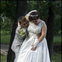 Вася,смотри не надорвись,а то впереди еще брачная ночь! :: Алексей Патлах