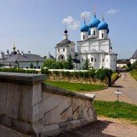 Двор Высоцкого монастыря :: Леонид Иванчук