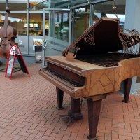 Железный рояль для железных людей.. :: Эдвард Фогель