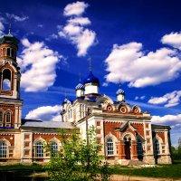 Храм Святой Троицы. :: Валерий Гудков