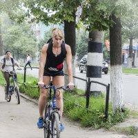 Велосипедистка :: Vlad Sit