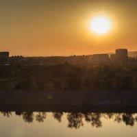 Закат с моста Победы :: Александр Мингалев