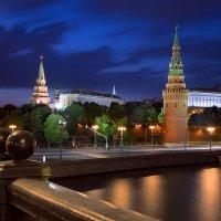 летним вечером по Москве :: Эльмира Суворова