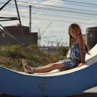 Портрет на фоне Запорожской Атомной Электростанции :: Ирина Диденко