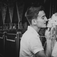 kiss :: Valerikka Valentini