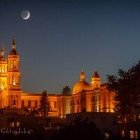 Луна над собором Святого Игнатия. San Francisco :: Yanina Gotsulsky