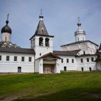 Ферапонтовский монастырь, центральная колокольня :: Борис Устюжанин