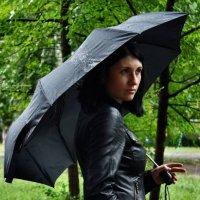 девушка с зонтом :: Анастасия Кузьмина