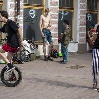 Уличное представление :: Андрей Шаронов