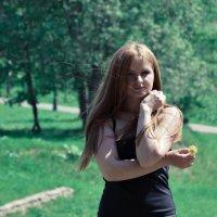с цветком :: Александр Тарасевич