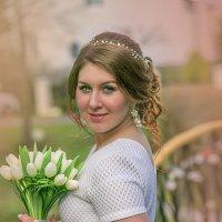 Невеста с букетом тюльпанов :: Лариса Кайченкова