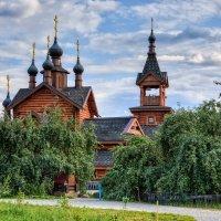 Москва. Деревянный храм в Митино. :: Виталий Лабзов