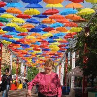 Веселые зонтики Петербуржья... :: Tatiana Markova