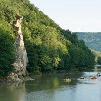 Скала спасения на реке Псекупс, Горячий ключ :: Андрей Майоров