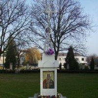 Памятный  крест  в   Городенке :: Андрей  Васильевич Коляскин