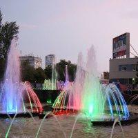 Музыкальный фонтан на набережной Самары :: nika555nika Ирина