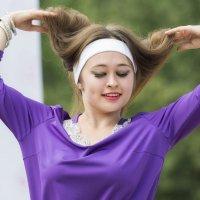 Восточный танец :: Леонид Никитин