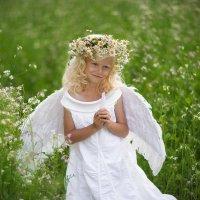Ангел, спустившийся с небес :: Ирина Бельская