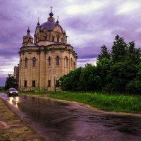 Проезжая рядом с Храмом. :: Валерий Гудков